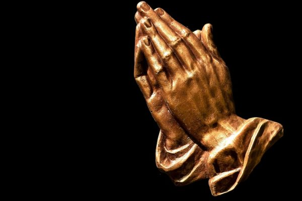 praying-hands-2539580_960_720